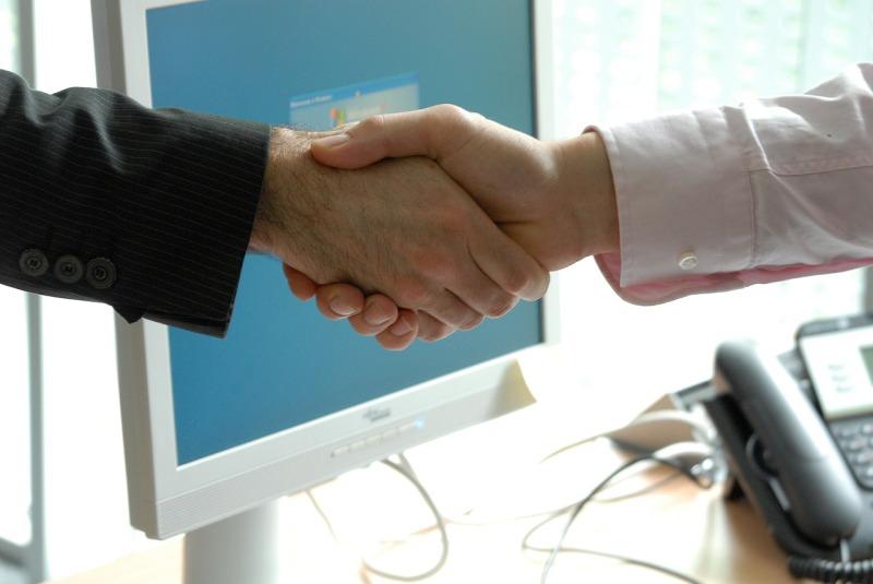 handshake-440959_1280
